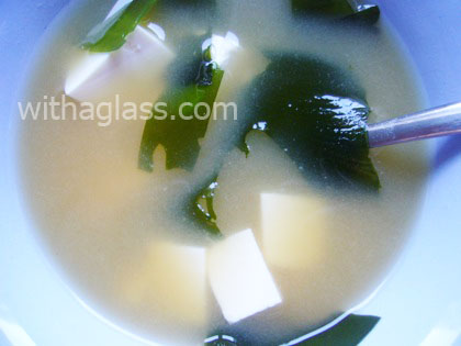 Miso Soup (misoshiru 味噌汁) with Tofu (Simplified)