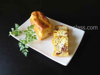 Savoury Cake with Goat Cheese and Dried Tomatoes