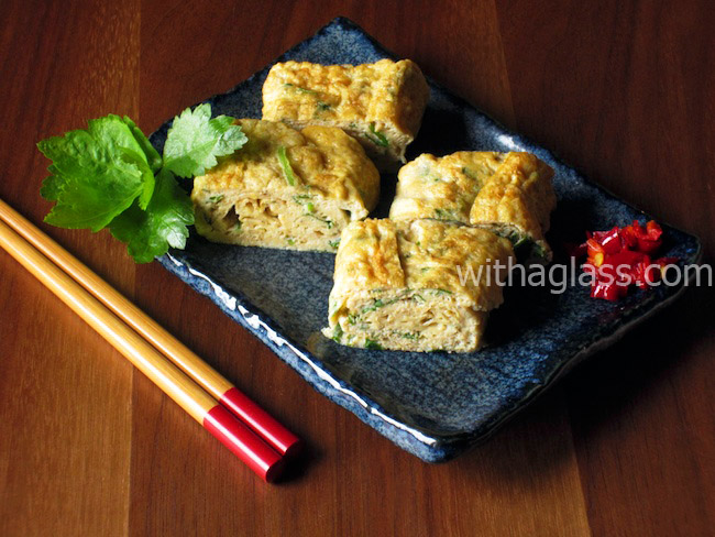 Tamagoyaki/Dashimaki Tamago with Mitsuba (Japanese Rolled Omelette with Herbs)