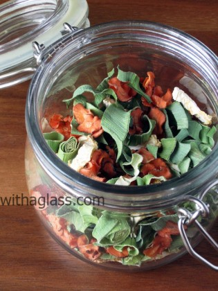 Dried Vegetable Stock Mix