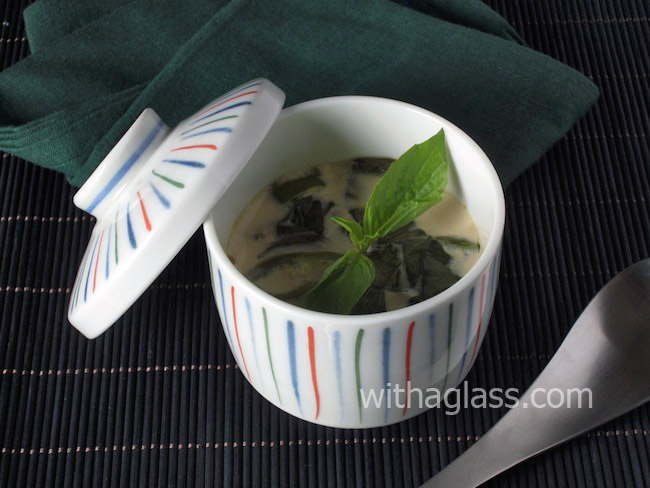 Chawan Mushi (茶碗蒸し) with Chicken and Thai Basil (Horapha)