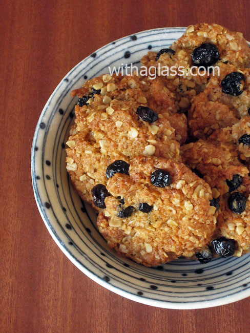 ANZAC Biscuits with Dried Blueberries