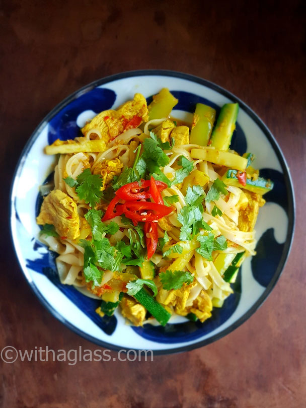 Rice Noodles with Thai Curry Paste